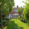*Beautiful Serviced Property with Private Garden * Main Photo