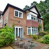 Lovely detached house with parking & garden Main Photo