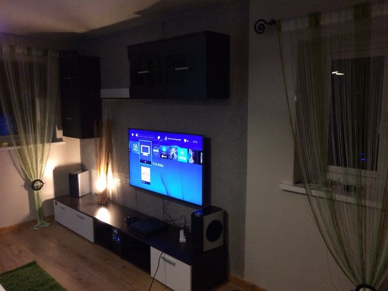 click to zoom living area - 50in Tv