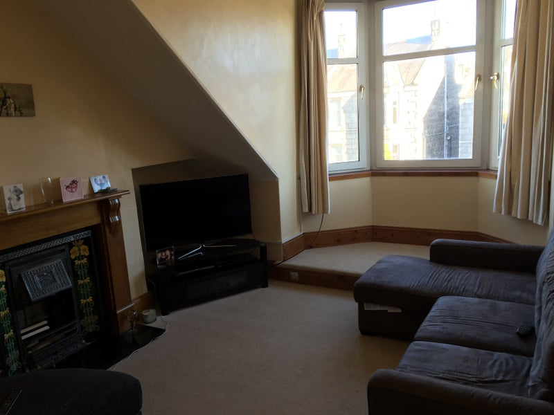 39 large spare room to rent with sky tv in room 39 room to. Black Bedroom Furniture Sets. Home Design Ideas