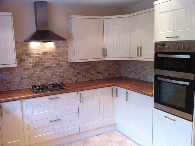 39 spacious modern double room in new house share 39 room to for Modern fitted kitchen