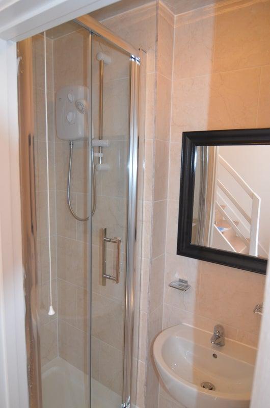 Rooms To Rent Putney Vale