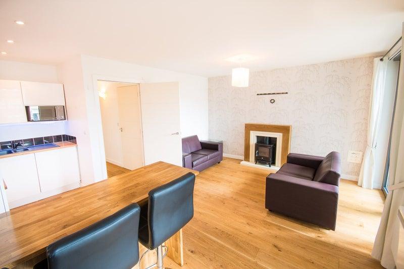39 Glasgow Harbour New Flat 2 Bed Bath With Parking 39 Room To