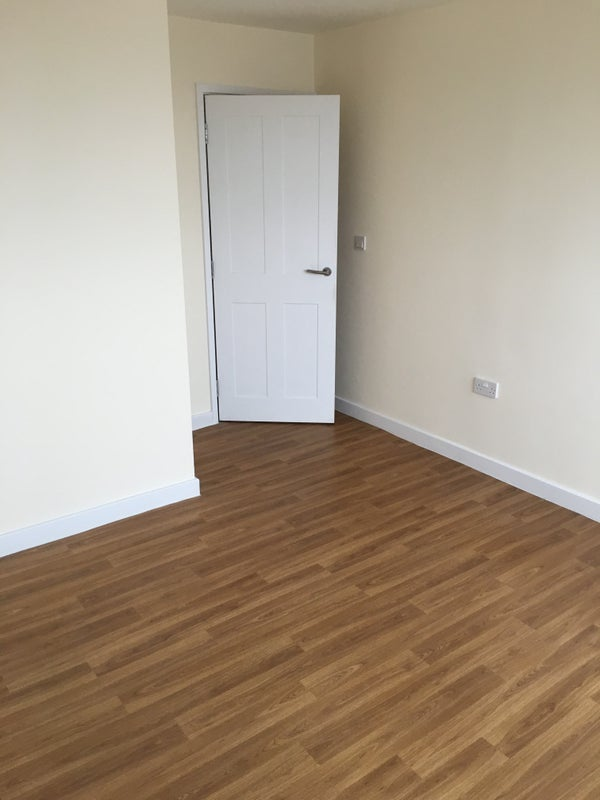 39 top floor flat on the river 39 room to rent from spareroom for Opposite of floor