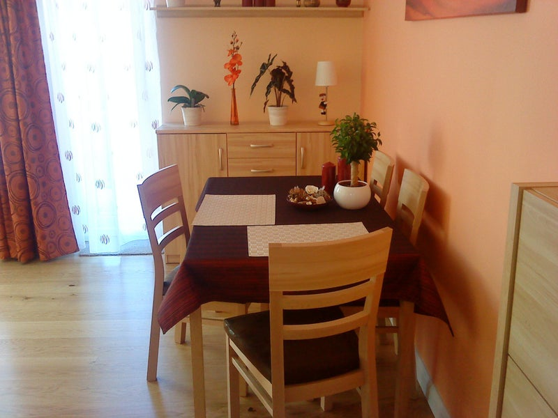 three bridges chat rooms Single room in shared house, has shared lounge, kitchen, garden and 2 bathrooms a communal cleaner attends weekly includes all bills and internet - single.