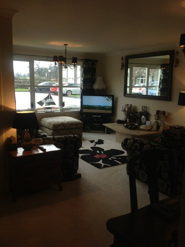 Quiet but only minutes drive from perth room to rent