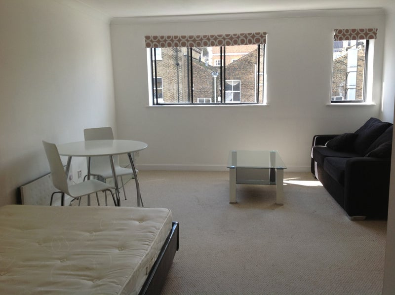 Room Rent For Professional In Richmond Uk