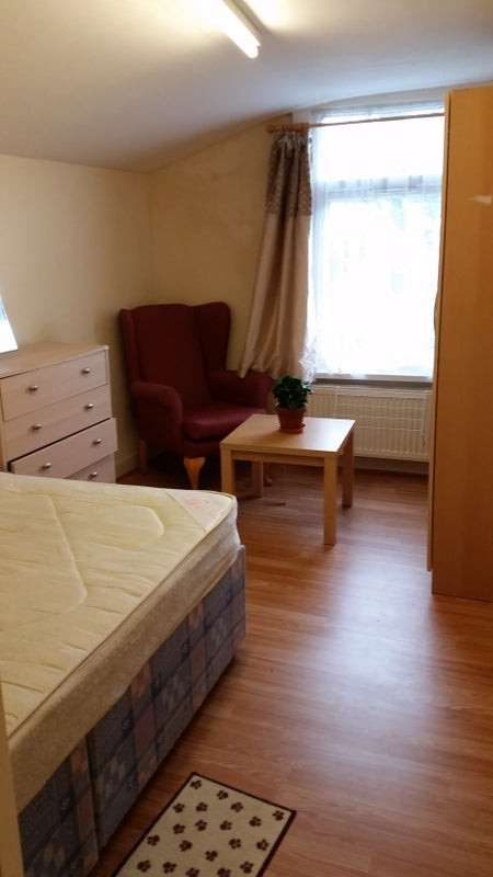 39 Furnished Double Room At Woolwich 39 Room To Rent From