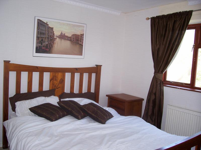 Room To Rent Heald Green