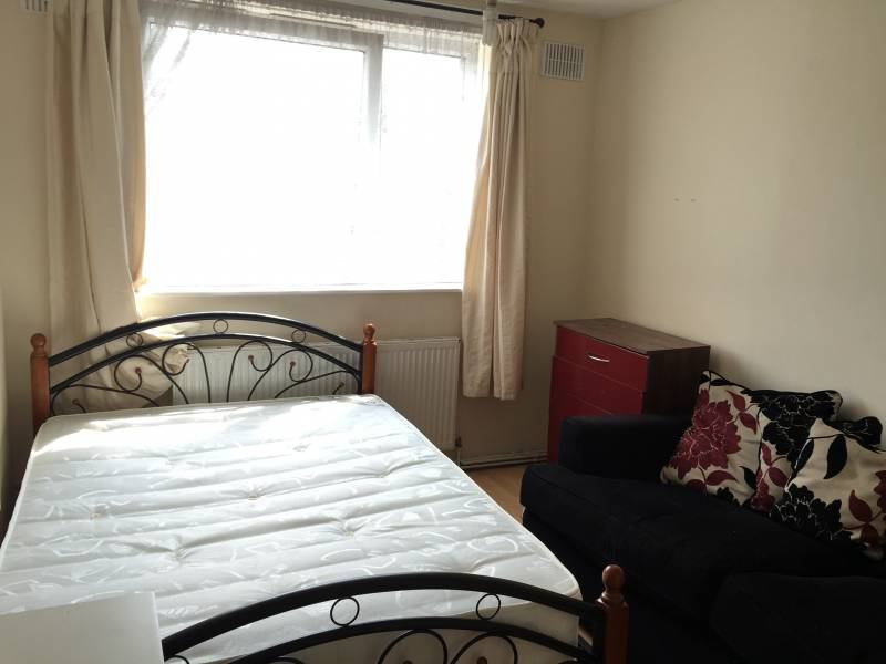 Single Room In Shadwell London