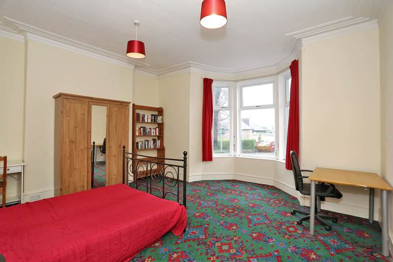 39 spacious 2 bed flat close to aberdeen university 39 room to. Black Bedroom Furniture Sets. Home Design Ideas