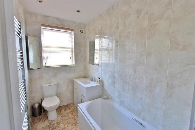 39 lodger stunning attic room s11 hunters bar bills 39 room to. Black Bedroom Furniture Sets. Home Design Ideas