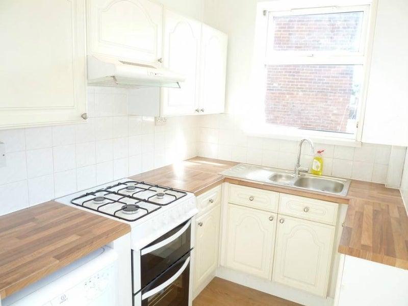 39 superb student house in crookesmoor walkley 39 room to rent. Black Bedroom Furniture Sets. Home Design Ideas
