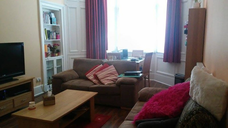 lanark chat rooms Change into your robe and move between the hot tubs and saunas or relax in the  quiet room retire to our b&b where you will sleep in comfort and wake to a.