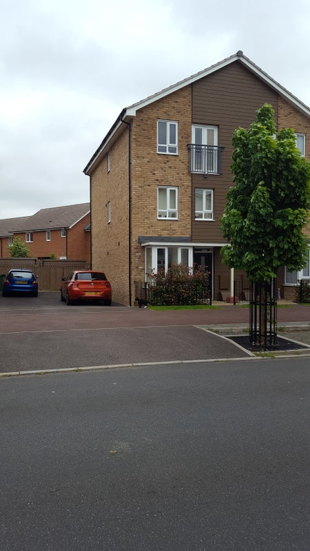 Double Room For Couple To Rent In Milton Keynes