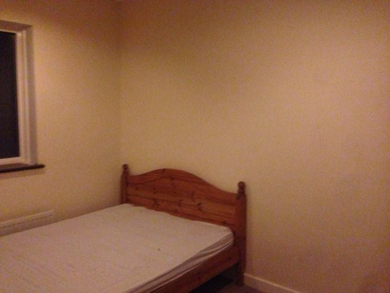 Spare Room Lovely Large House  Double Rooms