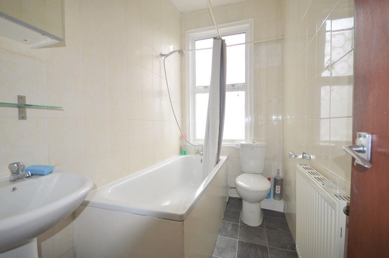 Double Room To Rent In Turnpike Lane