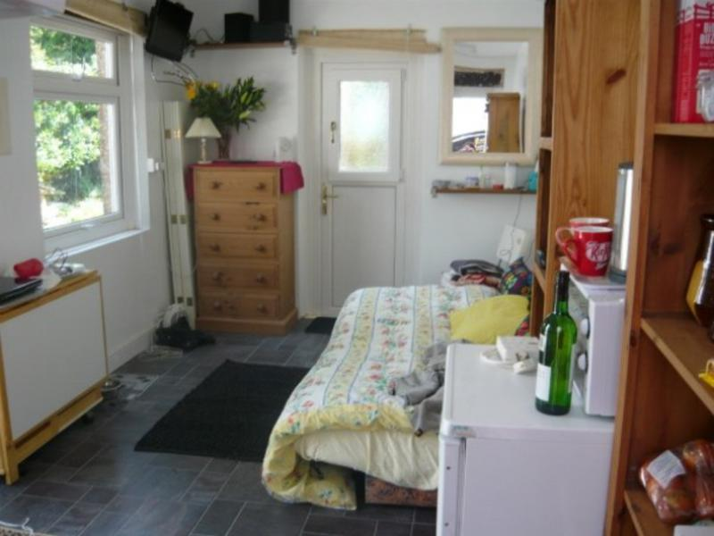 Bedsit Own Entrance With Cooking Facilities Amp E S Room