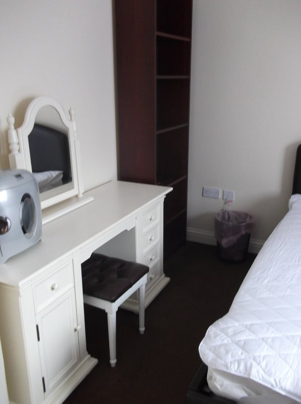 39 Fully Furnished Double Room 39 Room To Rent From Spareroom