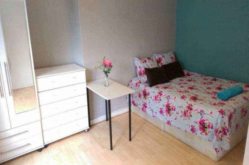 39 modern apartment in hoxton ideal for sharers 39 room to rent from spareroom - Deco moderne flat ...