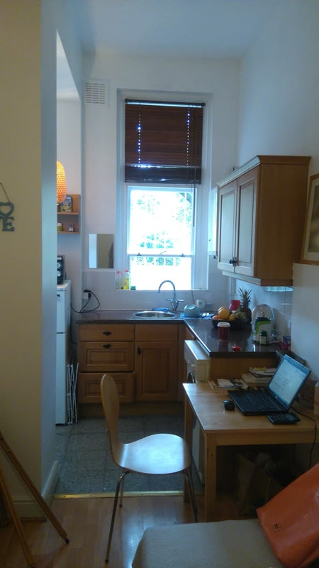 Re decorated semi studio double room victorian building the room is very bight and airy very clean the compact kitchen is amazing well equipped