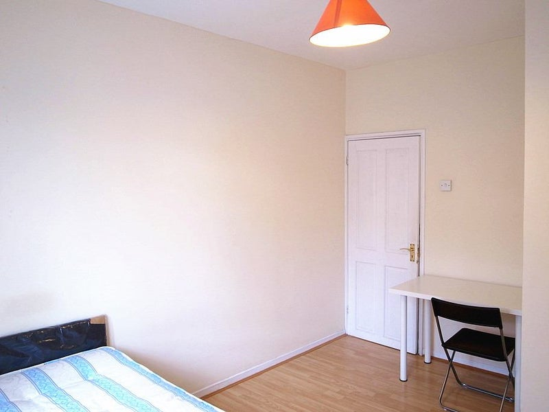Double Rooms In Shepherds Bush