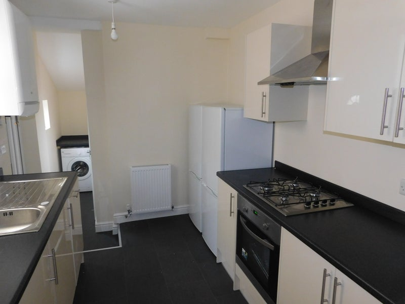 39 Brand New Rooms No Application Fees 39 Room To Rent From