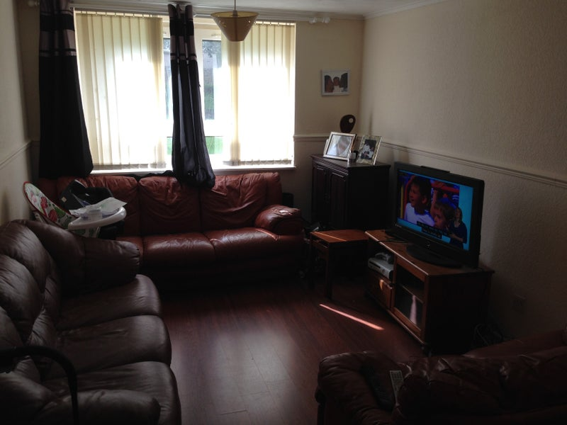 39 double bed room close to aberdeen royal infirmary 39 room. Black Bedroom Furniture Sets. Home Design Ideas