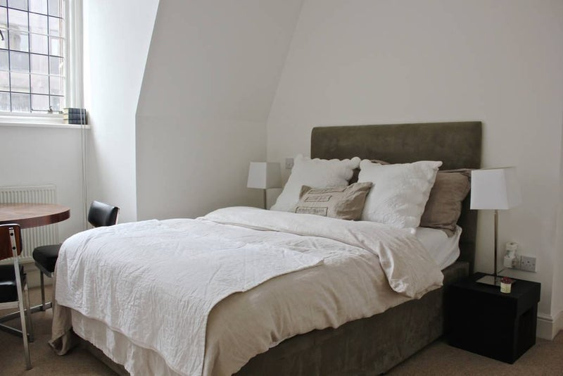 1br With Private Bathroom By Buckingham Palace Spareroom