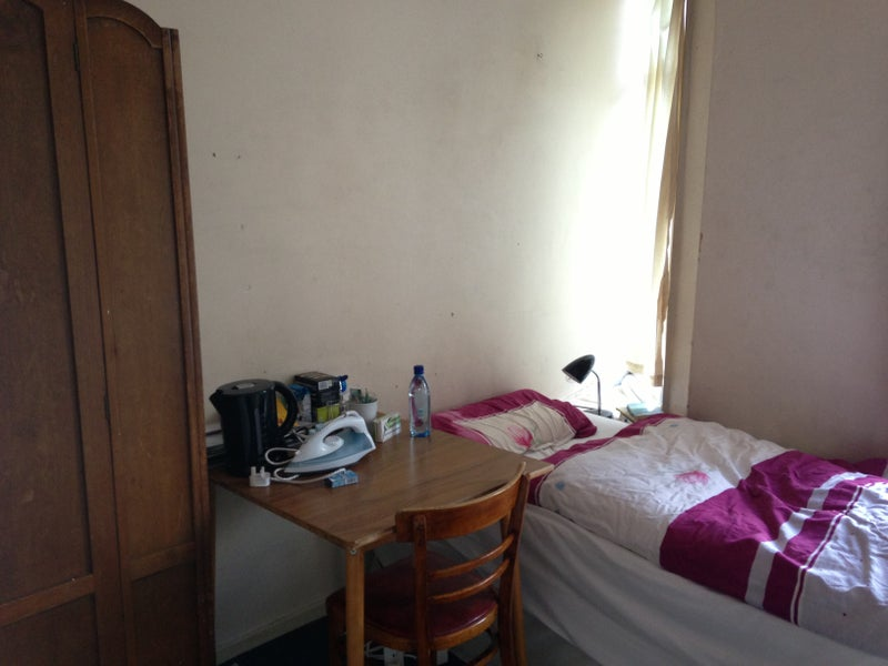 A single room, bills included Turnpike Lane,Zone 2' Room to Rent