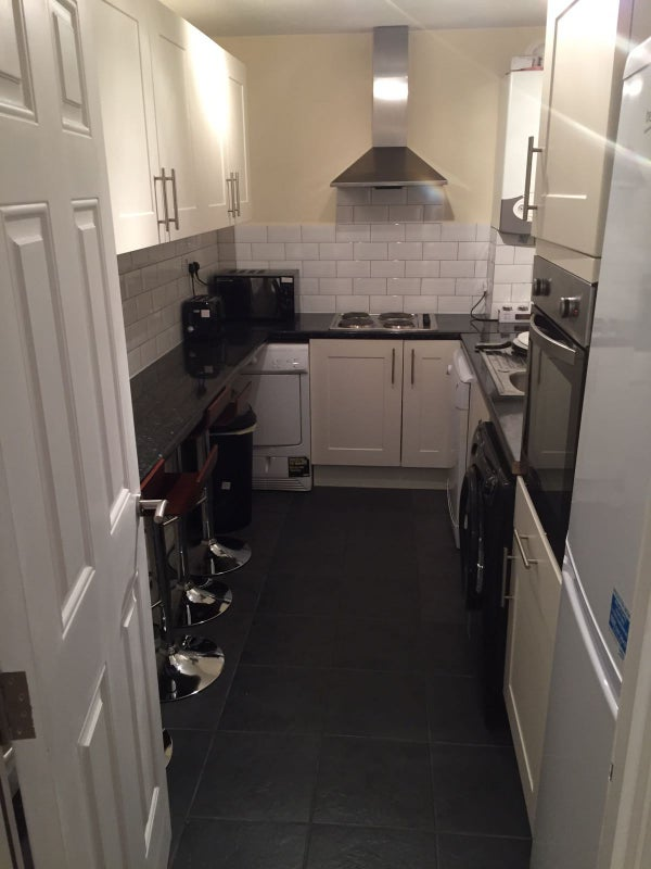 Rooms: 'Short Let Only Double Room In East Putney! Zone 2' Room