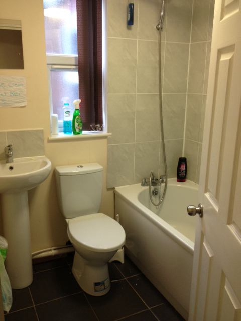 Rusholme Room To Rent