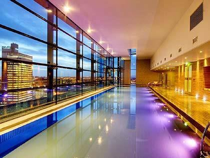 39 2 bed apartment with pool views gym furnished 39 room to rent from spareroom for Gyms in manchester city centre with swimming pools