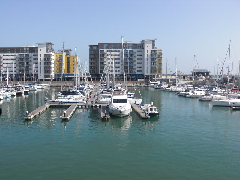 Double Bedroom In The Eastbourne Marina Room To Rent