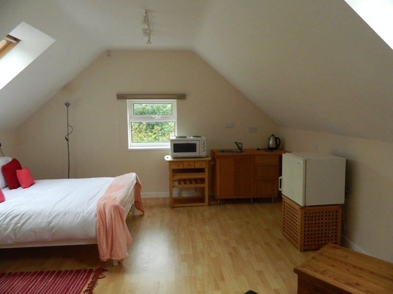 39 self contained studio flat 39 room to rent from spareroom for Studio apartment design uk