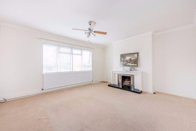 Room To Rent In Hanger Lane