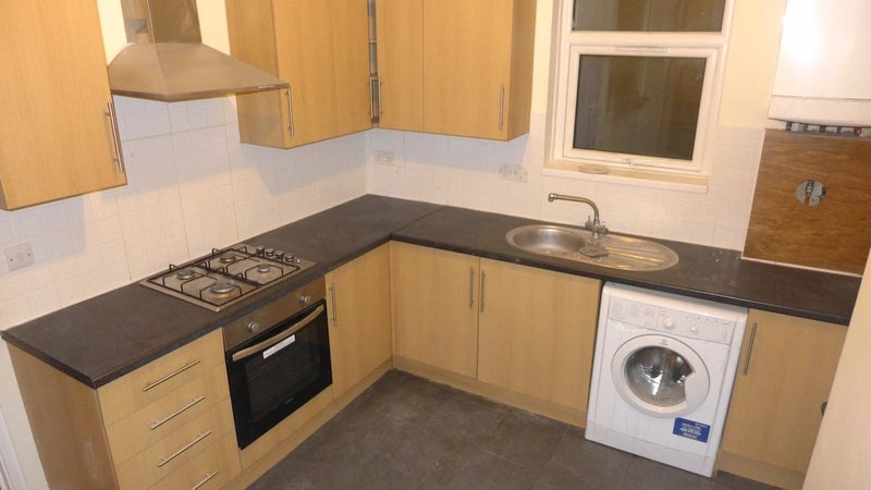 39 split level furnished 3 bed near new cross station 39 room for Split level homes for rent near me