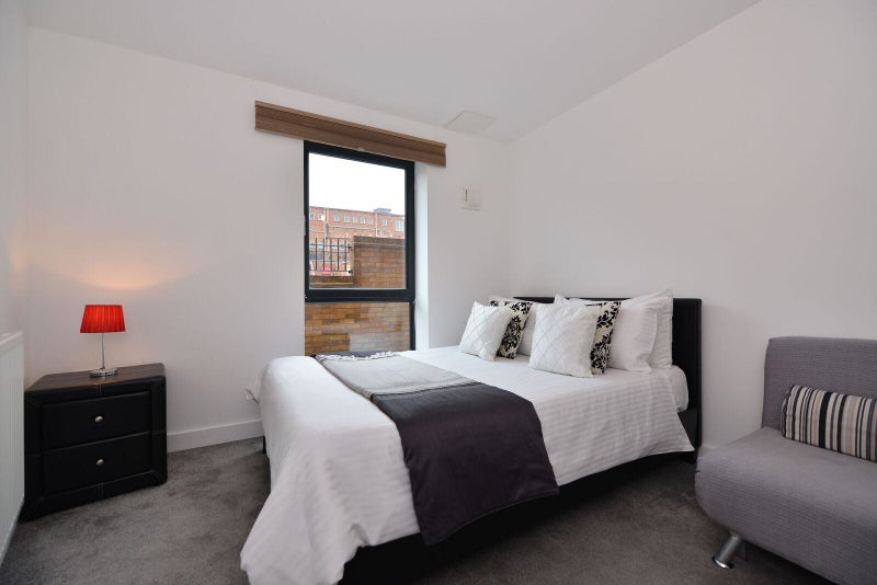 Room To Rent In Straford