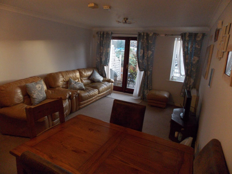 Room Available In 2 Bedroom Ground Floor Flat St Peters Marina On Newcastle Quayside With Stunning River Views And Private Garden