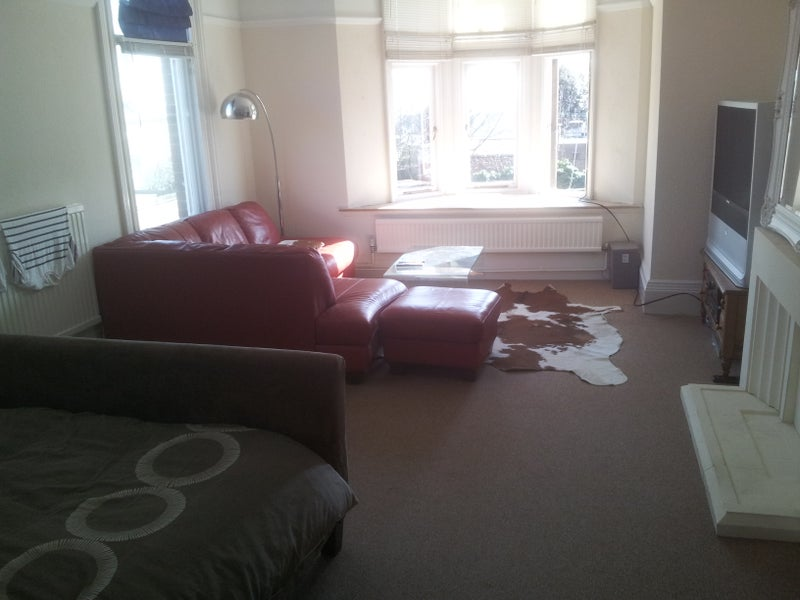 39 huge double room with bay window well furnished 39 room to - Corner sofa in bay window ...