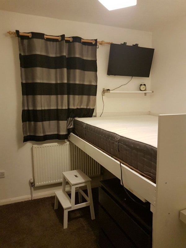 1 Double Bed Small Room Clever Use Of Space Room To Rent From