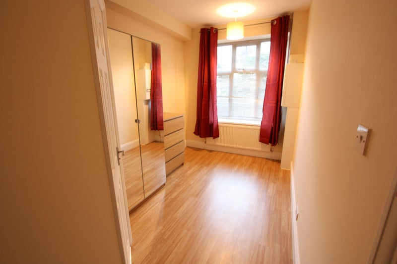 Bed Room Flat To Rent East London