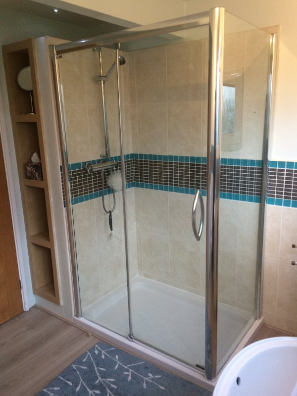 39 mon fri large double room own lounge shower rm 39 room to rent from. Black Bedroom Furniture Sets. Home Design Ideas