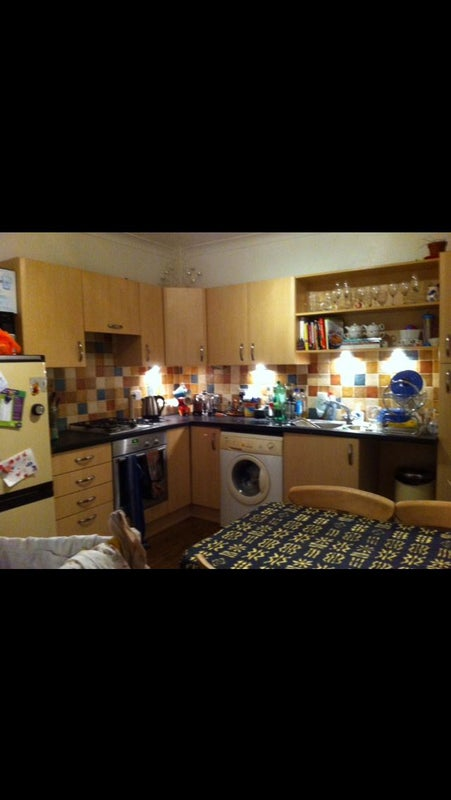 Room To Rent In Family Home Brighton