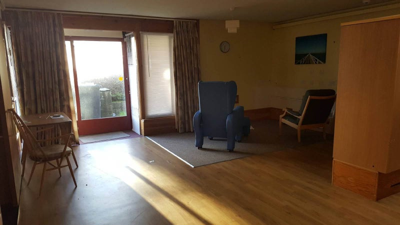 'rooms In Irvine For £200pcm Bills Included' Room To