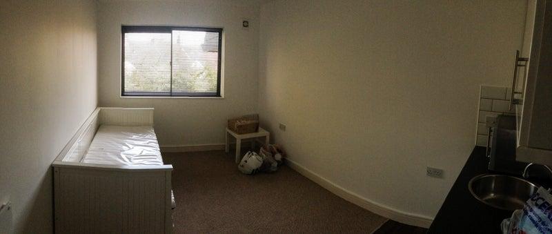39 studio flat available st george bristol 39 room to rent. Black Bedroom Furniture Sets. Home Design Ideas