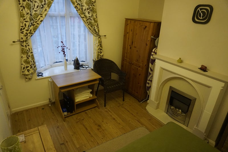 Double Room To Rent In Becontree