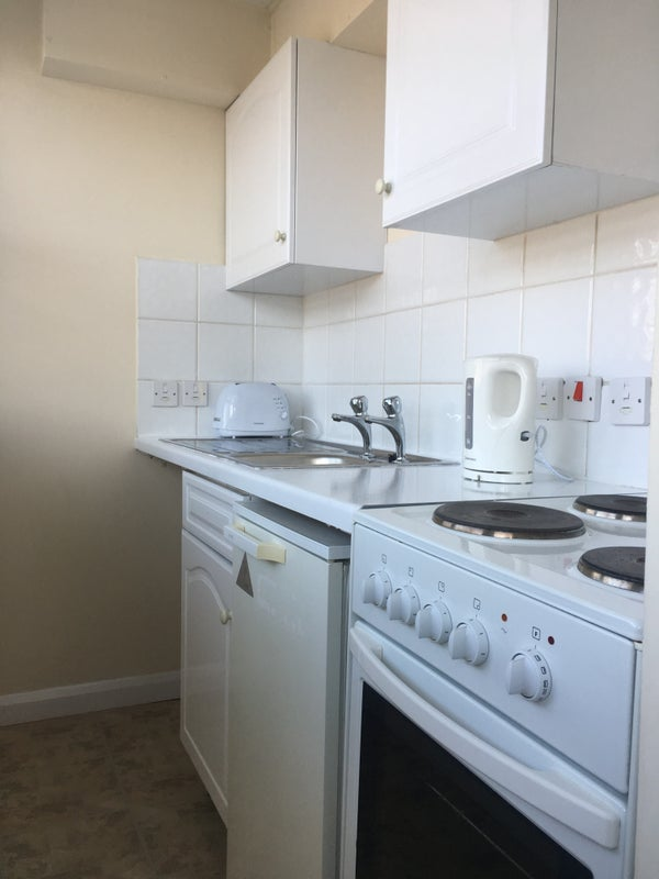 39 Lovely Studio 39 Room To Rent From Spareroom