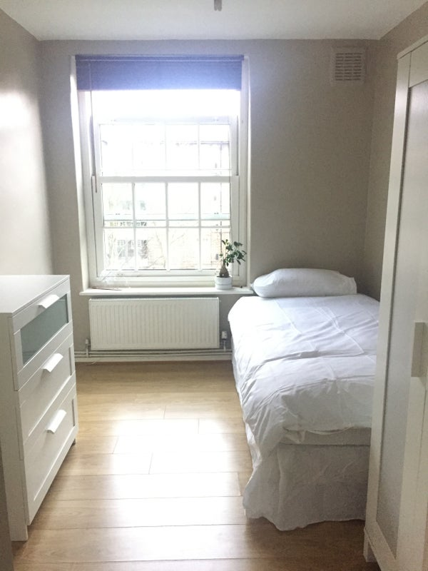 39 box room available in clapham common 39 room to rent from. Black Bedroom Furniture Sets. Home Design Ideas
