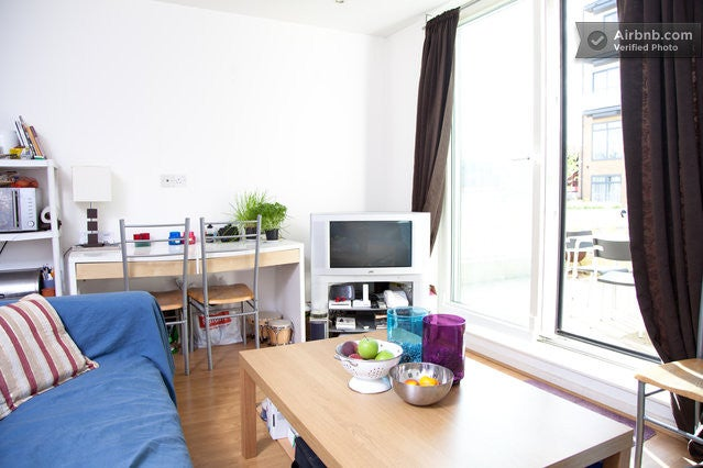 Modern Flat With Terrasse In Heart Of Brixton Room To Rent From